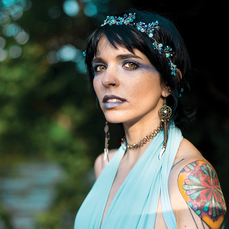 Rocker Erin Fox's Rebirth as a Folk Artist